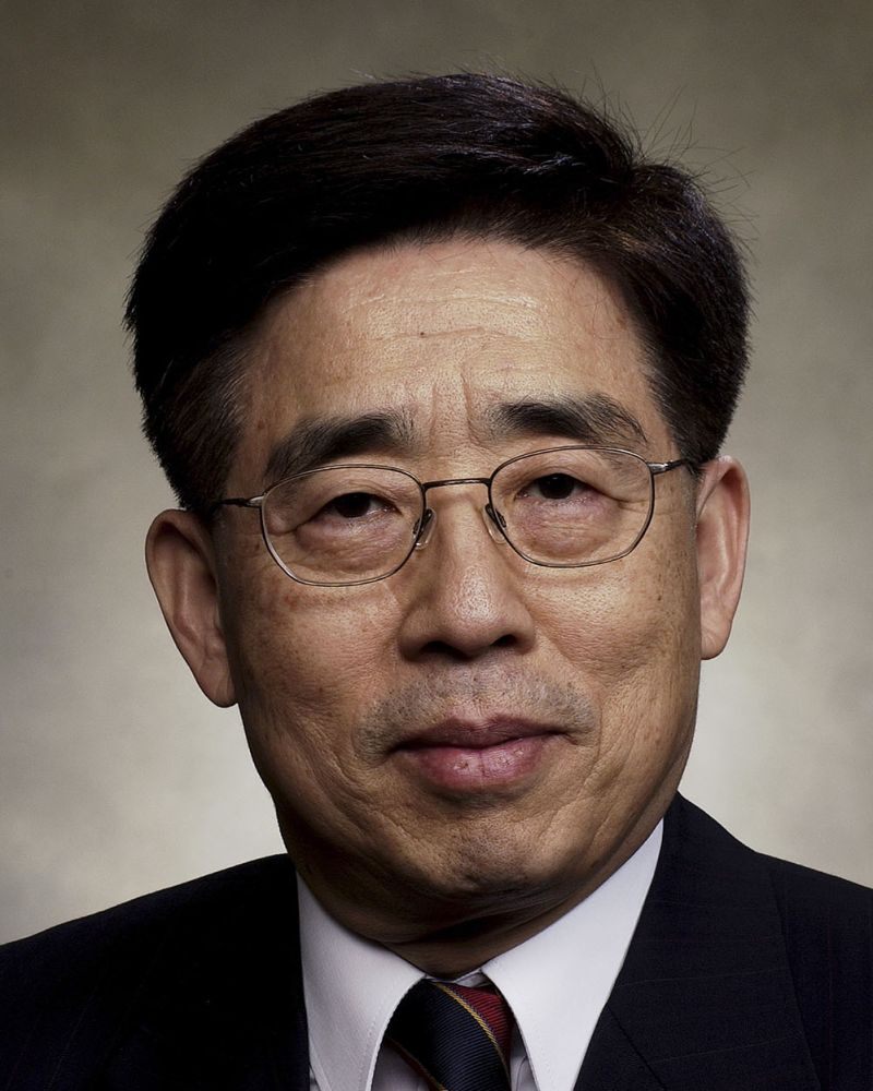 Picture of Dr. Yang-Ki Hong